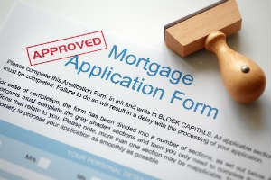 Changing jobs while getting a mortgage